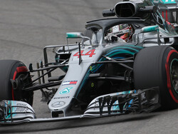 <strong>Qualifying:</strong> Hamilton beats Vettel to pole