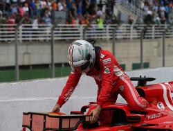 Sebastian Vettel eert Michael Schumacher met speciale helm