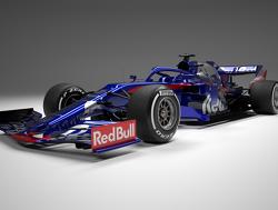 <b>Officieel</b>: Toro Rosso presenteert STR14 met sterke Red Bull-invloeden