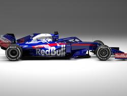 Ook Scuderia Toro Rosso en Kvyat voelen nieuwe bolide aan de tand