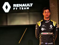 Daniel Ricciardo ontkent te zijn 'weggelopen' voor Max Verstappen