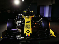 Ricciardo makes Renault debut at Barcelona shakedown