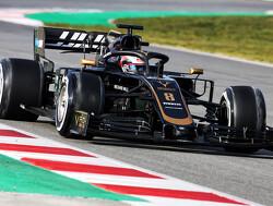 """Grosjean toont zelfspot: """"Ik heb het team een belofte gedaan: Ik zal niet meer spinnen achter de safety-car"""""""