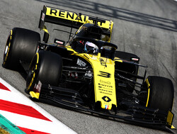 Ricciardo encouraged by Renault's tyre performance