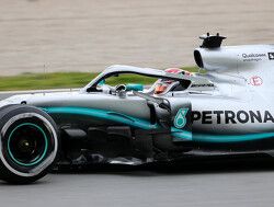 Hamilton: Ferrari always look strong early on
