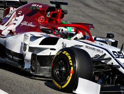Giovinazzi heads the field on the opening morning of test two