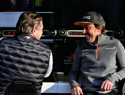 Alonso indicates how he can help McLaren