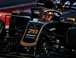 Magnussen escapes grid penalty for unsafe release