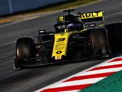 """Daniel Ricciardo: """"Ik heb veel geld bespaard voor Red Bull door niet te crashen"""""""