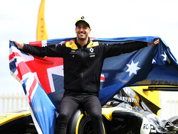 Ricciardo to raffle race suit to help charities fighting Australian bushfires