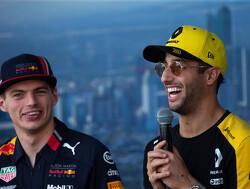 Max Verstappen en Daniel Ricciardo maken lol en missen elkaar