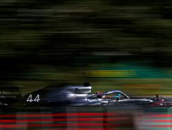 Lewis Hamilton stond te shaken na zijn 84e pole position