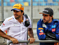 Sainz denies Alonso helped ease McLaren transition