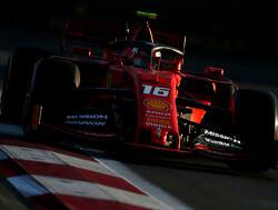 <b>VT3</b>: Ferrari oppermachtig in derde training Bakoe, Verstappen op P3