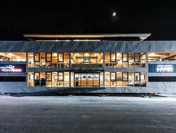 Nieuw Red Bull Energy Station - The F1 Holzhaus
