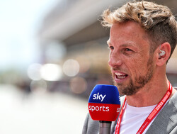 Nico Rosberg en Jenson Button praten samen over hun Formule 1-carrière