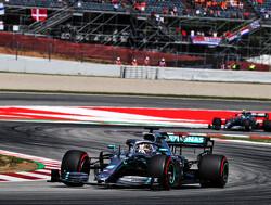 <b>Grand Prix van Spanje</b>: Hamilton nieuwe leider WK na dominante zege, podium voor Verstappen