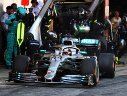 <strong>FP1:</strong> Hamilton leads Bottas as Mercedes boasts a gap