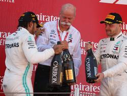 """Hamilton: """"Dominantie Mercedes niet zoals Formule 1 hoort te zijn"""""""