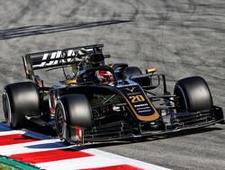 <b>Test update</b>: Magnussen leads halfway through the second day in Barcelona