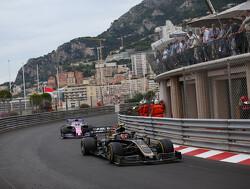 Magnussen ontvangt tijdstraf voor afsnijden circuit in duel met Perez