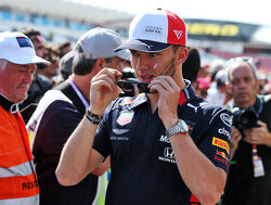 Gasly in stuntvliegtuig over de Red Bull Ring