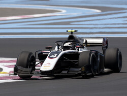 Feature Race: De Vries wins race of attrition in France