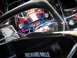 Grosjean 'gutted' not to have new suspension for home race