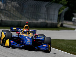 Rossi domineert IndyCar-race op Road America
