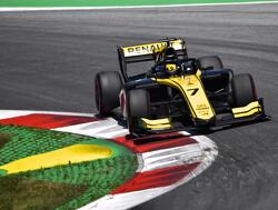 Eerste pole voor Renault-junior Zhou, De Vries zevende op Silverstone