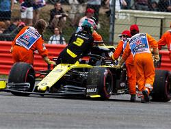 Ricciardo: Renault 'just' knocking on door of top ten