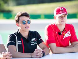 De Vries pakt pole voor hoofdrace in Hongarije