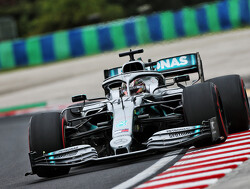 FP1: Hamilton fastest, engine problems for Bottas