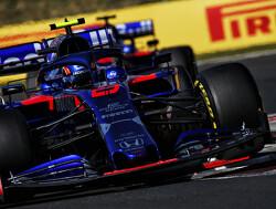 Albon begint met gridstraf aan werkzaamheden bij Red Bull Racing