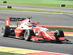 Feature Race: Shwartzman takes victory ahead of Prema top three