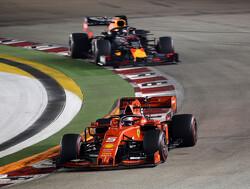 """Vettel beëindigt droogte in Singapore: """"Dacht dat vroege stop te vroeg was"""""""