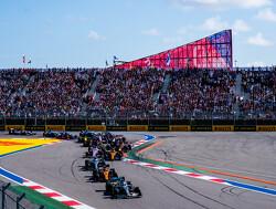 Startcrashes in Rusland van Sainz en Stroll zorgen voor Safety Car
