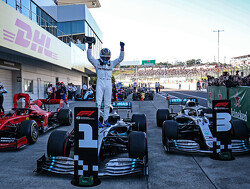 Wolff: Second pit stop for Hamilton a 50/50 call
