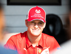 """Mick Schumacher: """"Heb twee goede tips van mijn vader gekregen"""""""