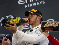 Eerste beelden wissel Lewis Hamilton en Valentino Rossi gelekt