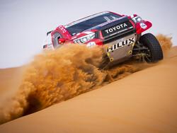 Alonso rolls his car at Dakar