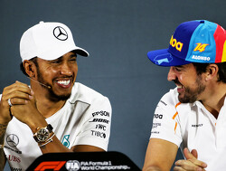 Alonso: No one trying to exploit Hamilton's weak points