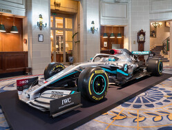 How does the 2020 Mercedes F1 livery compare to 2019?