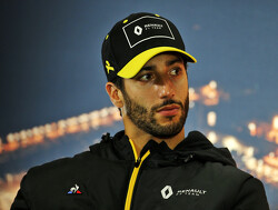 Ricciardo switches from Renault to McLaren