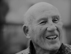 Sir Stirling Moss dies, aged 90