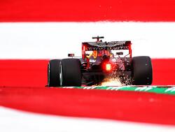 VT2: Max Verstappen vlak achter Mercedes