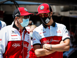 Antonio Giovinazzi in de leer bij meester Kimi Raikkonen