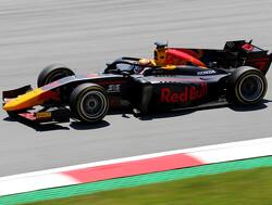 Tsunoda in spannende ontknoping naar de zege, Schumacher op weg naar titel