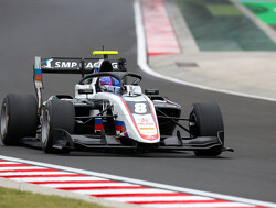 Smolyar takes maiden F3 pole in delayed qualifying session