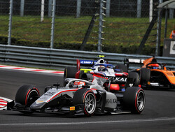 Sprint Race:  Ghiotto edges to victory as leaders suffer with tyre wear